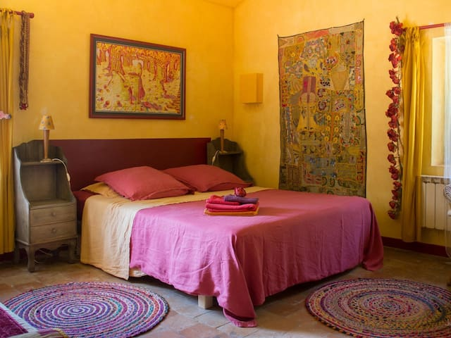 Chambre jaune-Double room-Comfort-Ensuite with Shower-Garden View