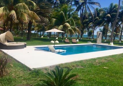 Ixhuatan, Playa Amatecampo - San Salvador - Talo
