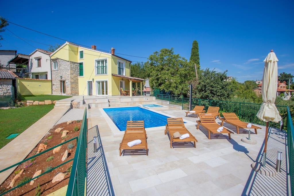 Property Villa Ana