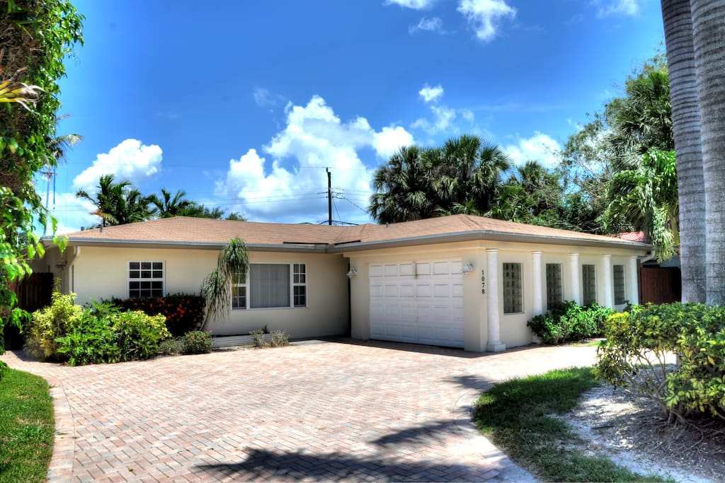 LOCATED IN THE HEART OF FORT LAUDERDALE