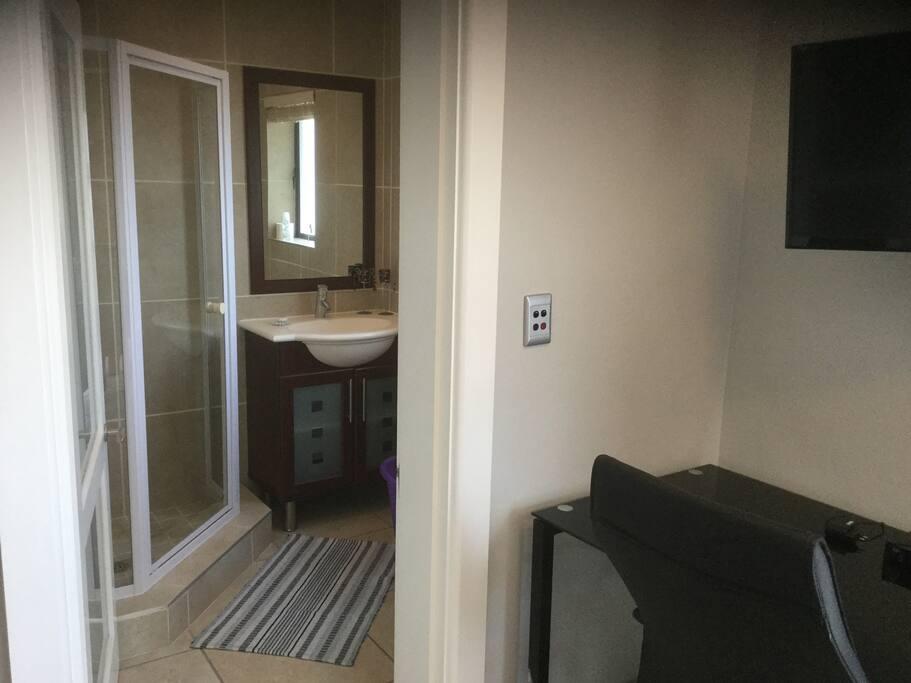 Bathroom, Shower, toilet & Basin