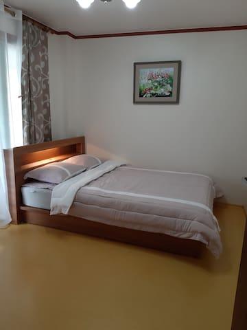 Spavaća soba 1