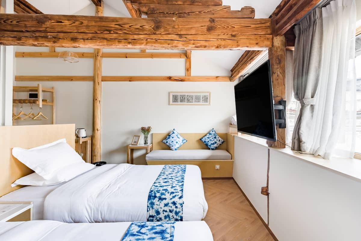 『万境故园』Airbnb最佳房源设计奖丨蓝染轻奢双床房