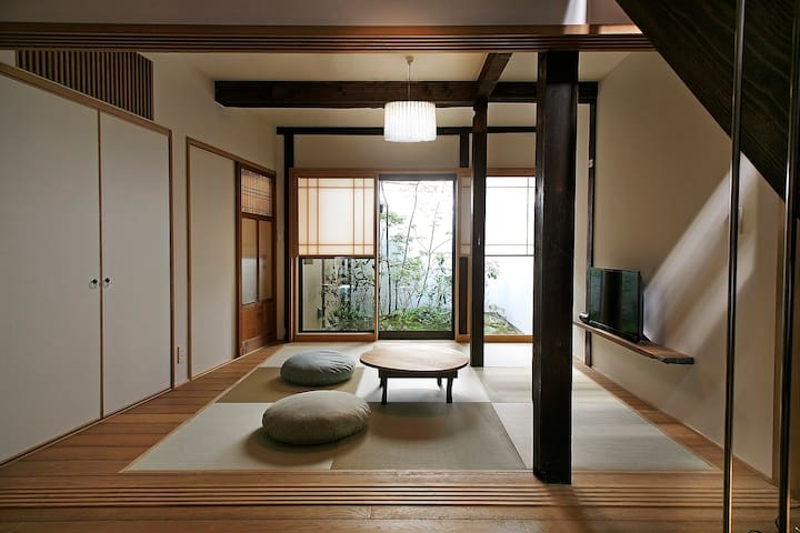 100% LEGAL RENTAL, BEST GION LOCATION, LUXURY. - Kyoto - Rumah
