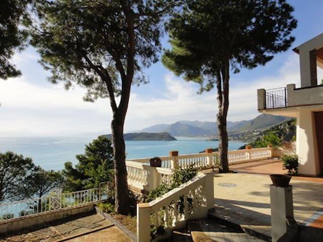 Villa sul mare con giardino - San Nicola Arcella - Huis