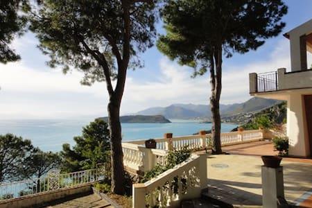 Villa sul mare con giardino - San Nicola Arcella - Dům