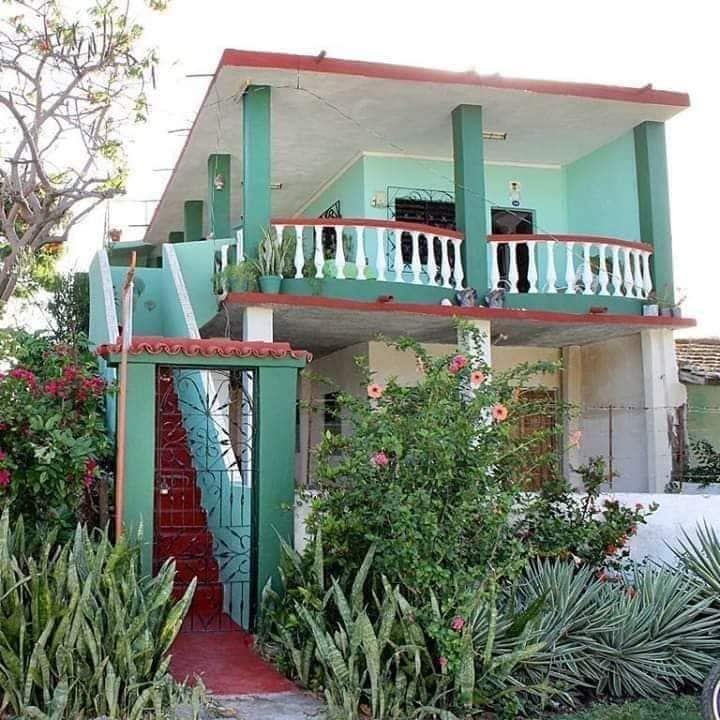 Hostal VALDA ( casa completa) ideal para familias