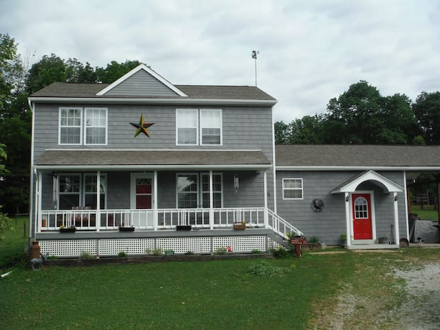 Farm House B&B-2 w/Horse boarding - Gettysburg - Bed & Breakfast