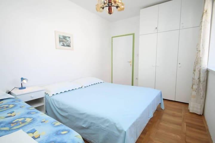 Room Makarska S-6691-b - Makarska - Pis