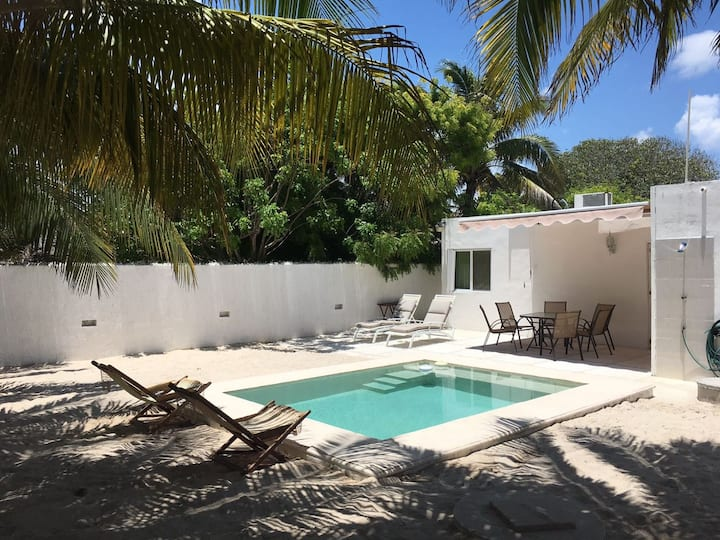 Tunich-Ha beautiful beach house, Yucatan, Mex.