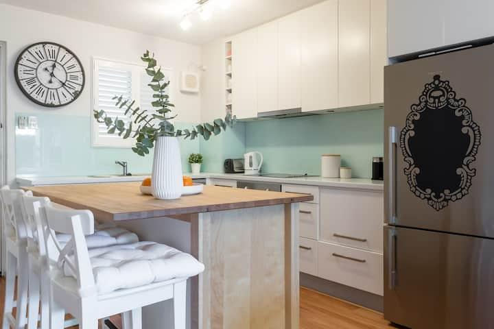 Inglewood comfort, Two bedroom apartment.