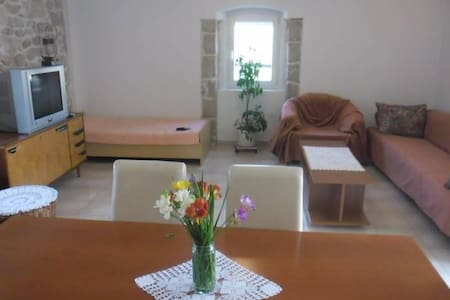 Two bedroom apartment with terrace and sea view Lukoran, Ugljan (A-11203-a) - Lukoran