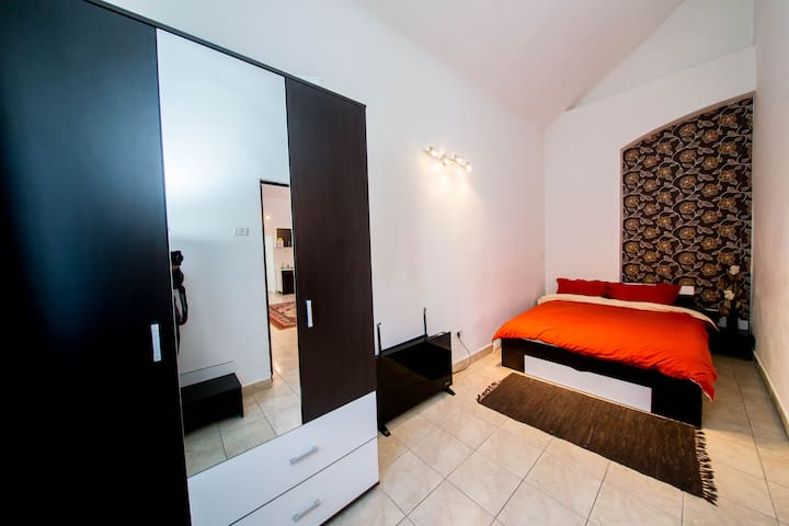 """URANIA"" Apartment in City Center"
