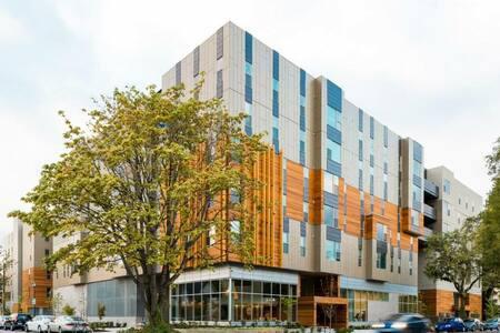 2 Bedroom Furnished Apartment on UofO Campus - 尤金 - 公寓