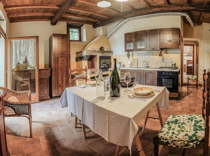 Apartment in the heart of the Tuscan countryside