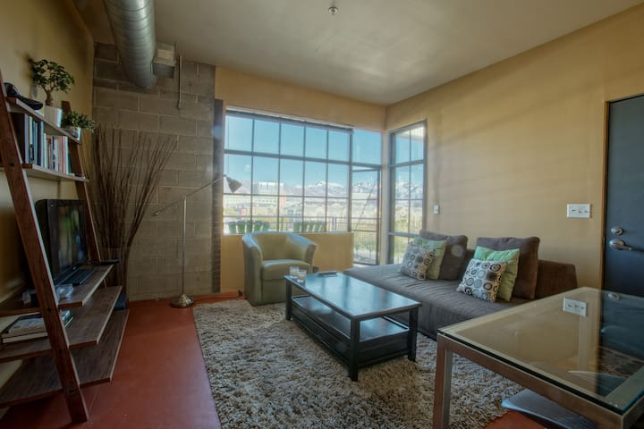 Loft Space Downtown | Great View | Fiber Internet - Salt Lake City - Apartemen