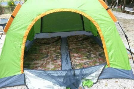 一个让初露营者学习和体验自己建立帐篷的环境。躺在帐篷内观望天空的星星✨ - Sátor