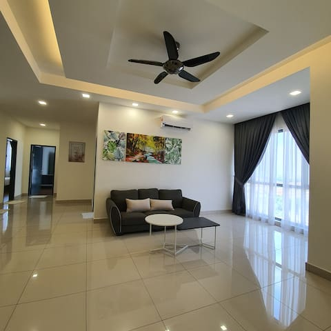 Super Spacious Family Deluxe Suite ♠ 3BR ♠ 6PAX ♠