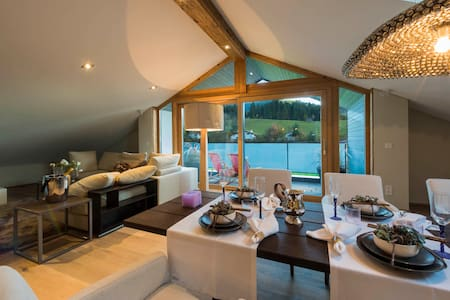 2 BR Luxury Penthouse with mountain view - Kirchberg in Tirol - 公寓