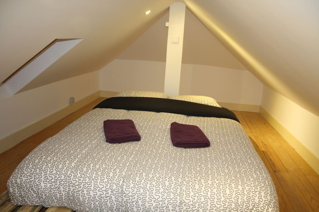 Bed2  (the roof height is reduced with around 1,50meter)