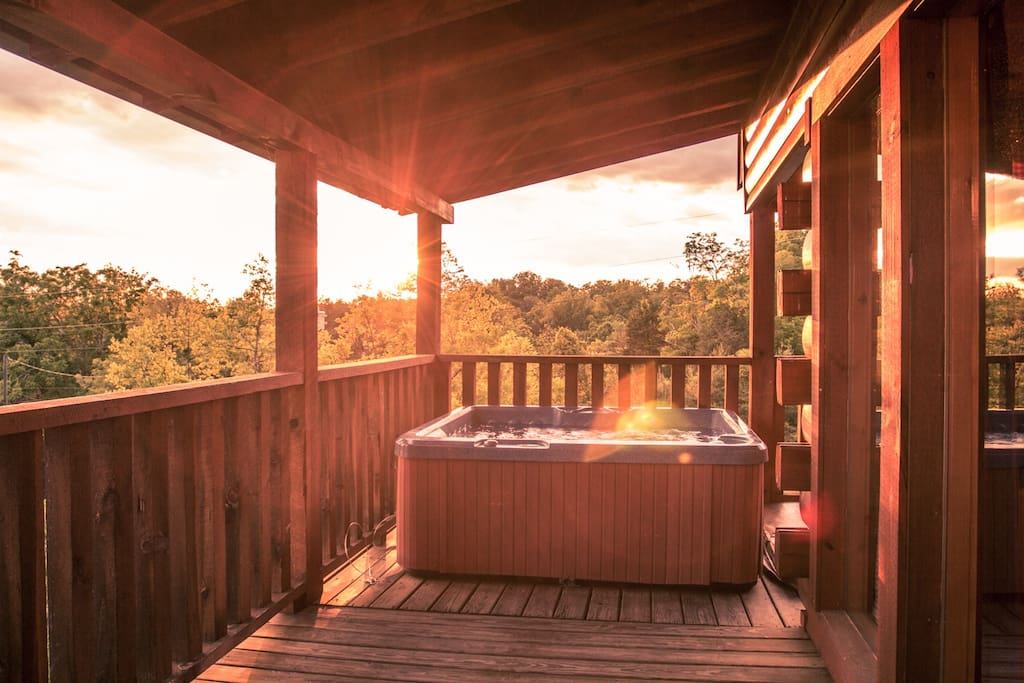 The hot tub on the third level offers wonderful views and a feeling of privacy!