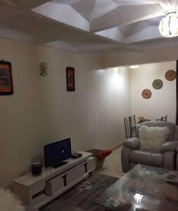 Cozy 2bdrm home close to everything - Nairobi