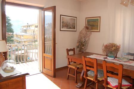 Accogliente e spazioso appartamento - Apartment