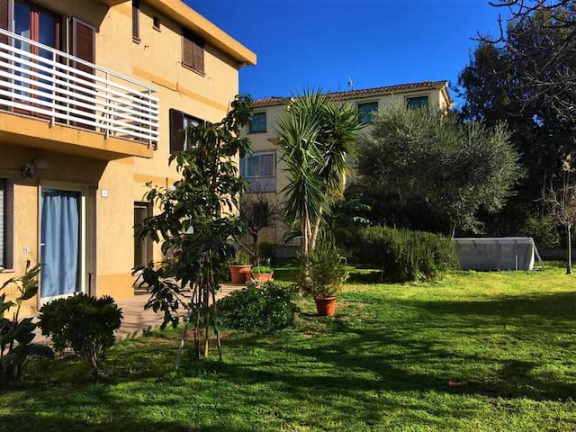 Porto Frailis, Apt per 2 - 5 minutes to the beach