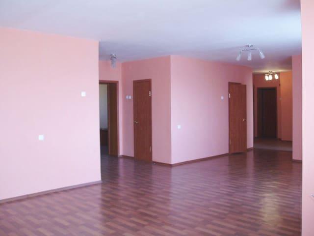 Просторная квартира на Корабельной - Нижнекамск - Appartement