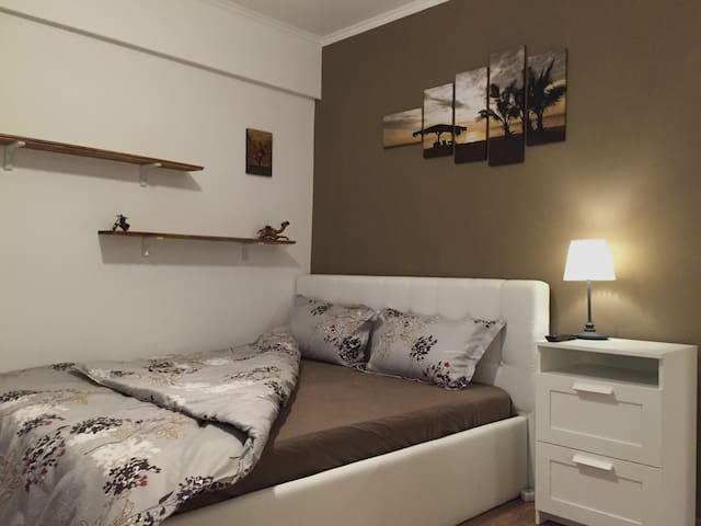 Brand New Studio - Suits all tastes - Zone 1 - București - Appartement
