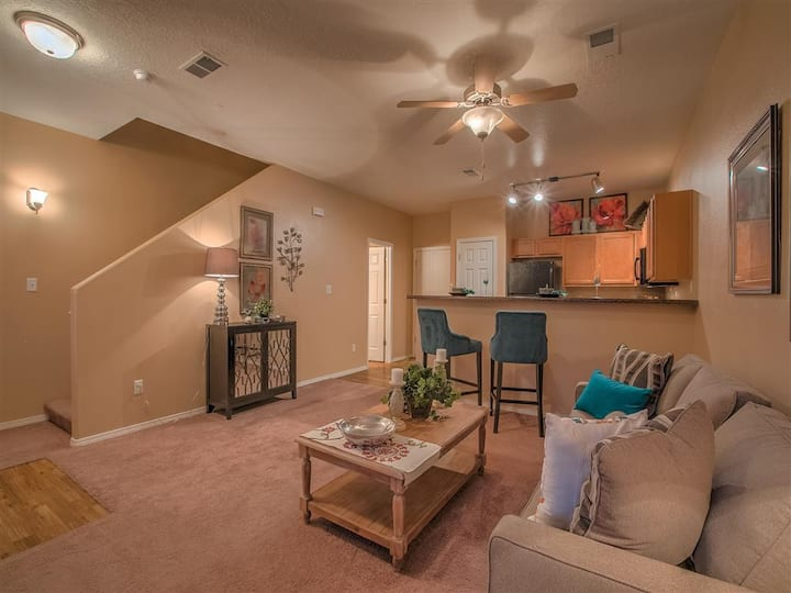 All-inclusive apartment home | 2BR in Albuquerque
