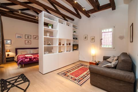 Cosy Nest Apartment in authentic area of Venice