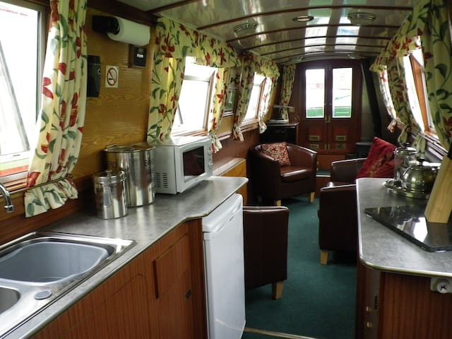 Narrowboat 'Carey' - Stone - Andre