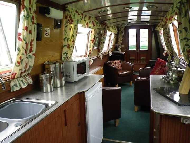 Narrowboat 'Carey'