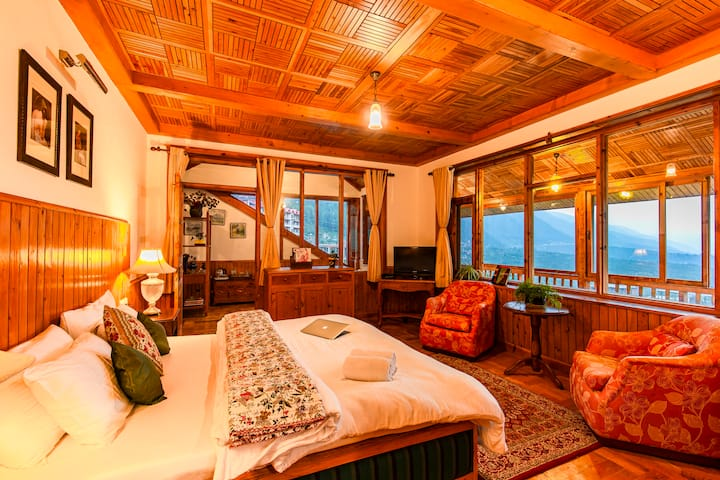 Family Suite in Shuru, Manali