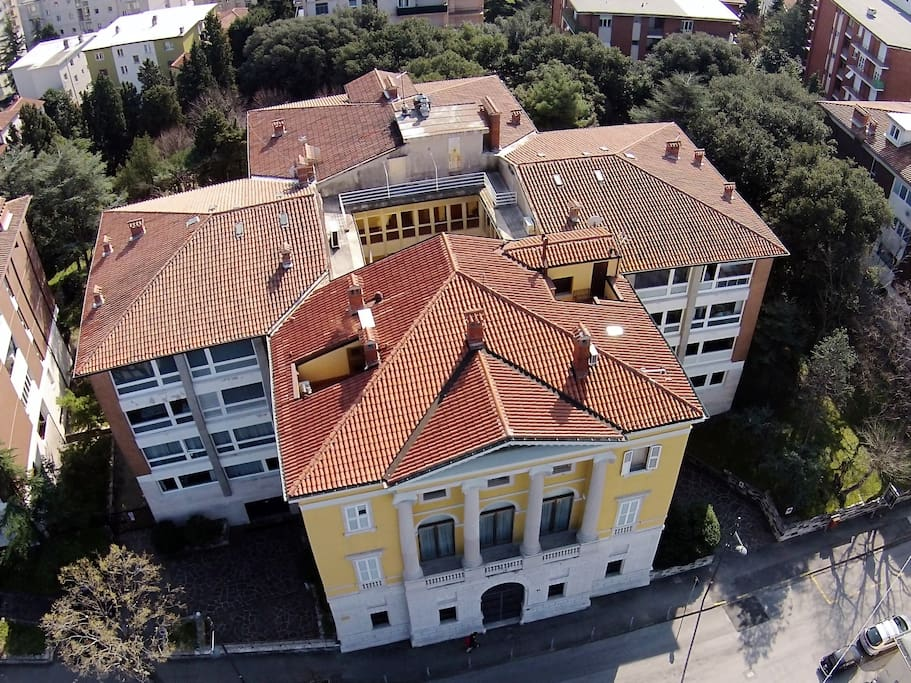 BUILDING DRONE VIEW