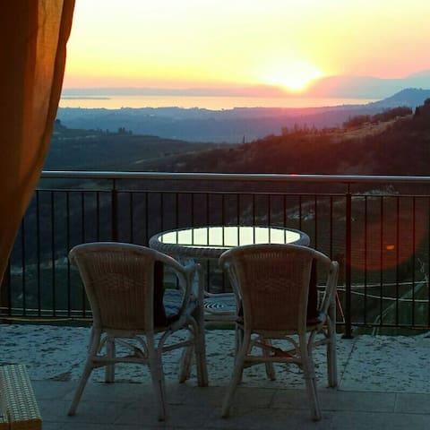 Villa Garda Lake View Verona - San Giorgio di Valpolicella - Hus