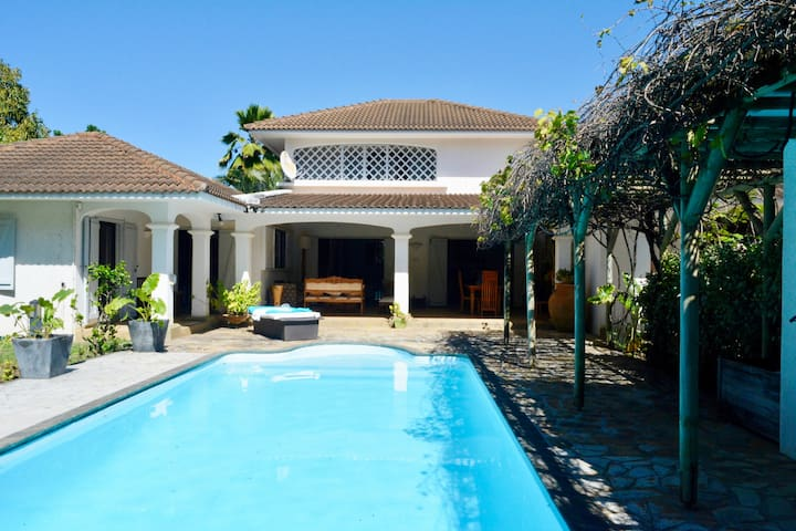 Private luxury villa in Mauritius with pool.