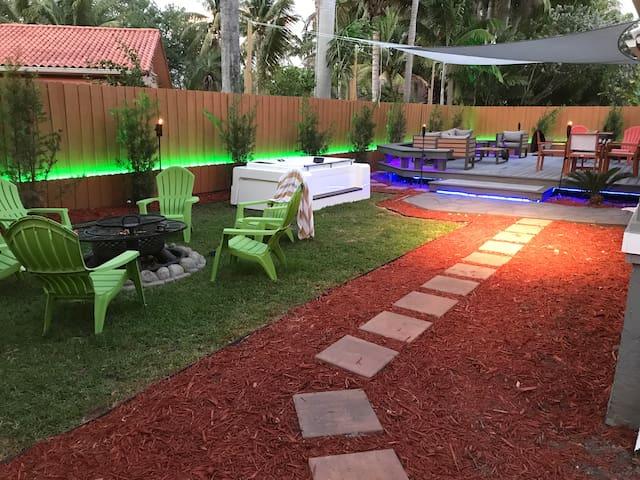 private luxury suite  in upscale Palmetto Bay