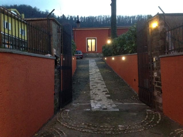 B&B a casa di  Laura - Rocca di Papa - Bed & Breakfast