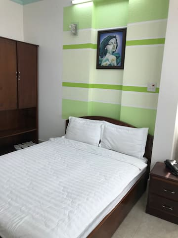 Sông Lạc Hotel (1 bed - 2 guests)