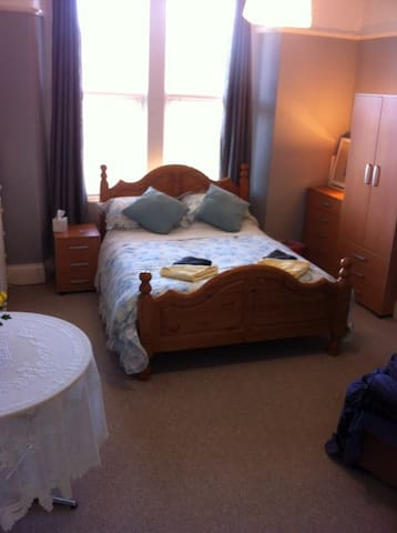 Studio Apartment in Victorian House - Weston-super-Mare - Apartemen