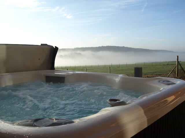 Eifel Dream Mühlental Außenwhirlpool und Sauna