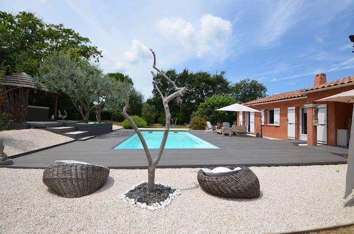 L'Andalouse,  villa de charme piscine & jacuzzi