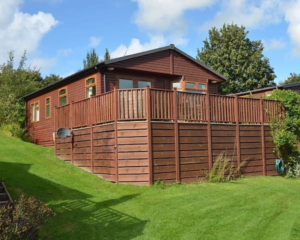 Luxury homely lodge, Hot tub & Leisure facilities