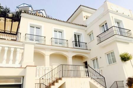 Fantastic villa in Puerto Banus - Istán
