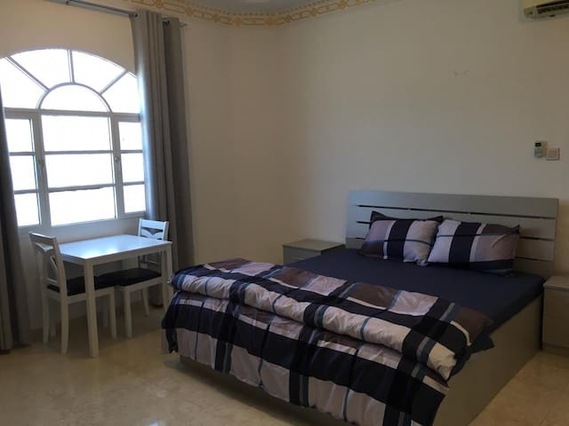 A private double bedroom in Qantab house