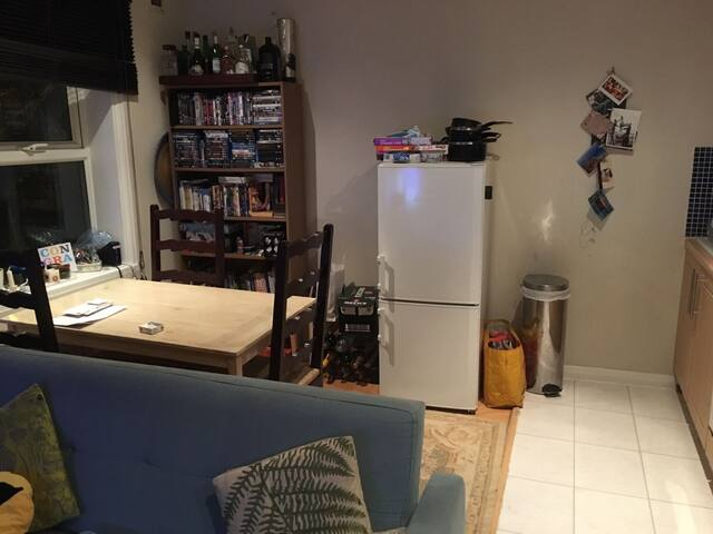 Amazing, well-lit 2-bed flat in Central London - Londres - Apartamento