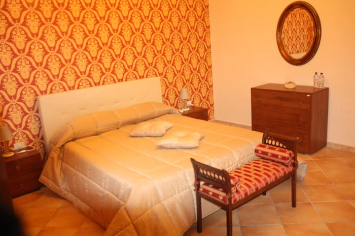 """Bed & Breakfast """"L' Antica Caiatia"""""""