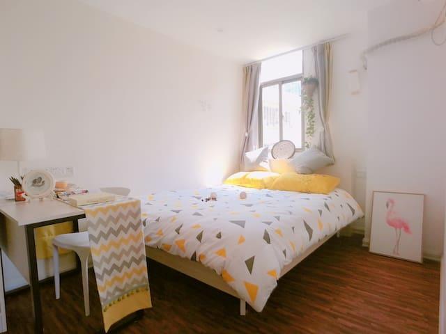 礼寓公寓,30天起租,独立一室,精装全配